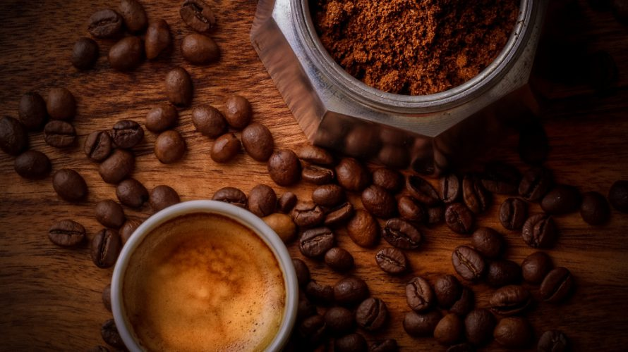 コーヒーの飲み過ぎによる体への影響