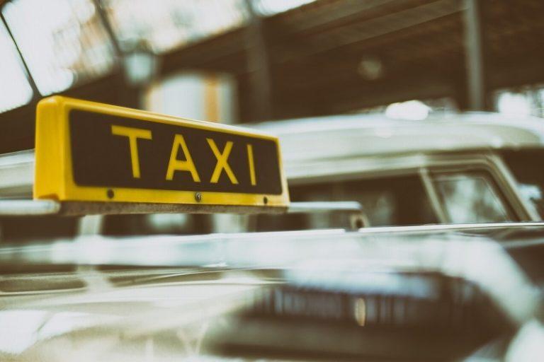 ウーバータクシー